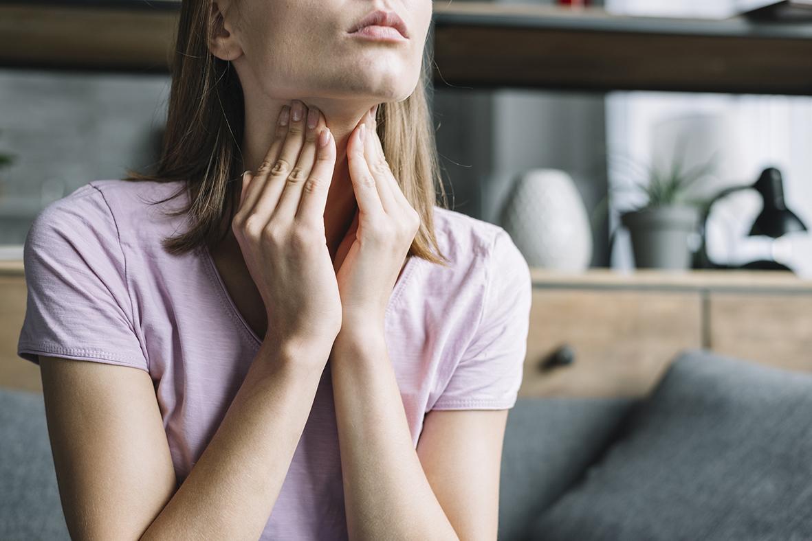 Cómo calentar la garganta en 3 minutos